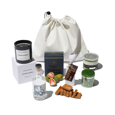 Best Gin Lovers Gourmet Gift Hamper | Gin Candle Gourmet Gift